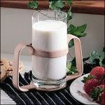 Double handle cup holder